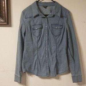 Guess button shirt